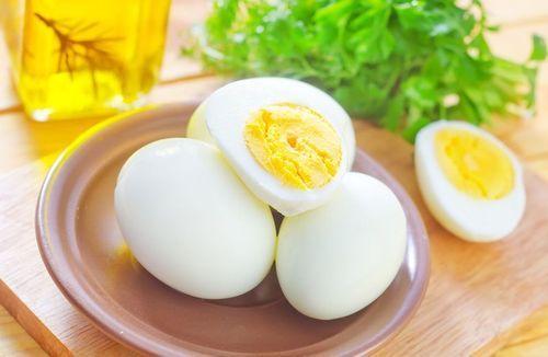Срок годности яиц сырых, вареных, пасхальных, очищенных при хранении в холодильнике, подвале, морозилке 17